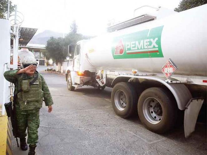 Ejército y Marina resguardan a Pemex de huachicoleo