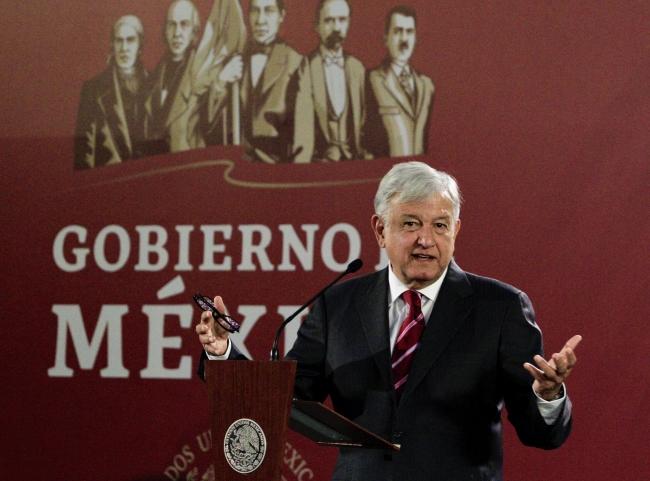 López Obrador alista plan de seguridad y contra el robo de combustible