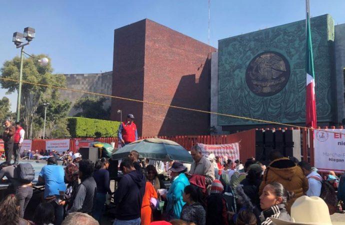 Campesinos vuelven a bloquear los accesos a la Cámara de Diputados