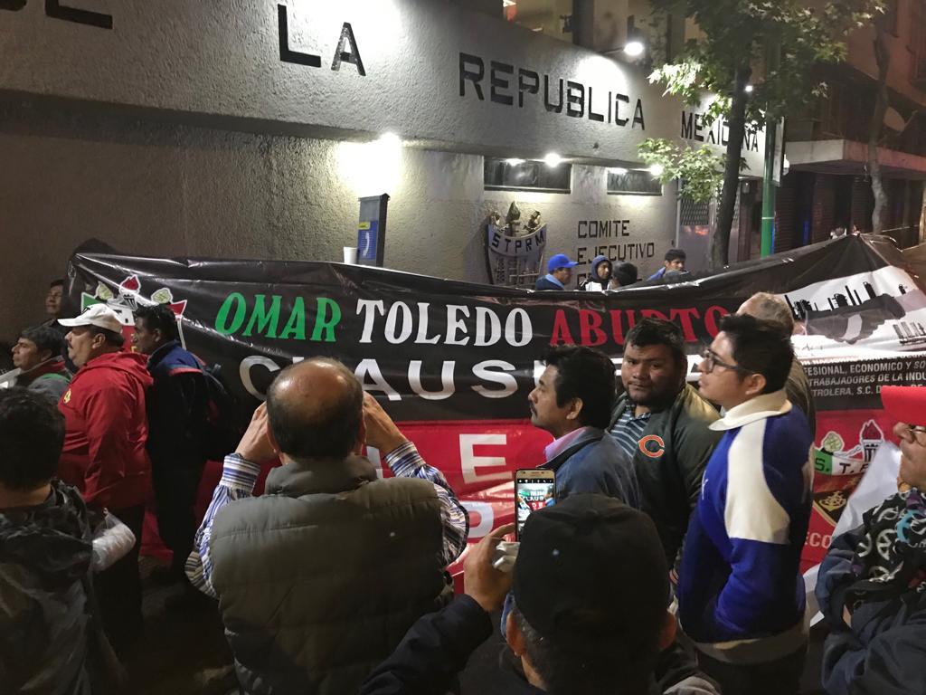 """Clausuran"" disidentes oficinas del Sindicato Petrolero"