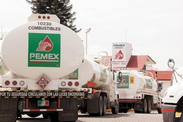 No habrá marcha atrás contra robo de combustibles: Pemex