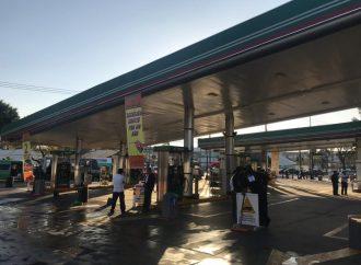 Gobierno capitalino exhorta a no hacer compras de pánico de combustible
