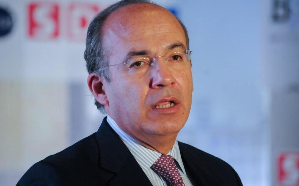 Combatí robo de gasolina sin afectar a usuarios, responde Calderón a AMLO