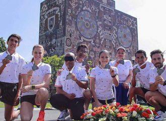 Presentan en UNAM playera y medalla del 37 Maratón Internacional CDMX