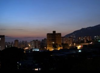 Apagón paraliza operación de dos grandes refinerías de Venezuela