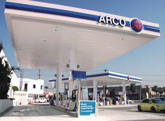 Chevron y Arco continúan como las más caras en precios de gasolina
