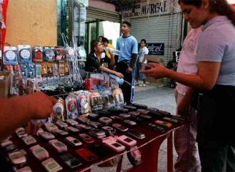 Inician operativo contra venta de celulares en tianguis de la CDMX