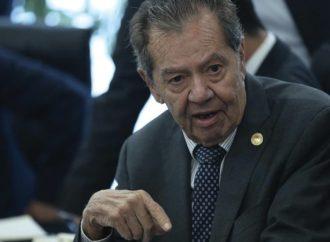 """Se manifiesta Muñoz Ledo en contra de que """"se viole la Constitución"""" con medidas en materia de migración"""