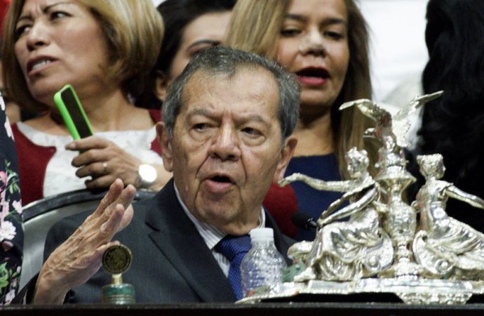 Muñoz Ledo renuncia a la presidencia de la Mesa Directiva de la Cámara de Diputados