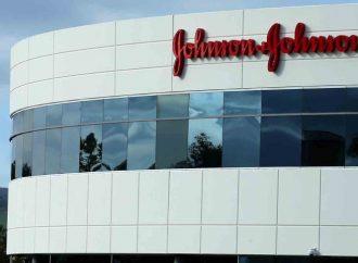 Johnson & Johnson reanudará ensayo de vacuna contra covid