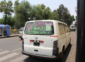 Transportistas rotulan vehículos en apoyo a candidatos de morena en Xochimilco