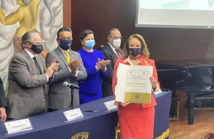 Reconoce UNAM trayectoria de la Ministra Yasmín Esquivel Mossa con la Cátedra Extraordinaria María Cristina Salmorán de Tamayo